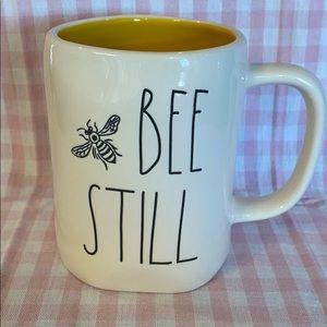 Rae Dunn Bee 🐝 Still Mug